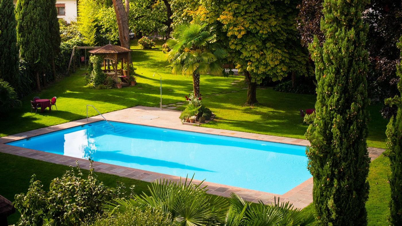 Giardino con piscina hotel eichhof 3 s a lana - Piscina giardino ...